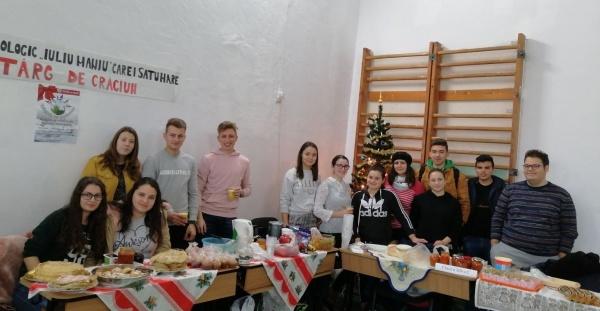 """Târgul de Crăciun de la Liceul Tehnologic """"Iuliu Maniu"""" Carei"""