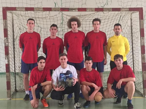 Locul II pentru echipa de handbal a Liceului  Teoretic la faza zonală  a Cupei M.E.C