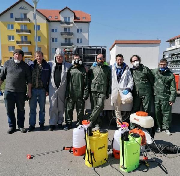Dezinfectant donat pentru acțiunile de la scările de bloc din Carei