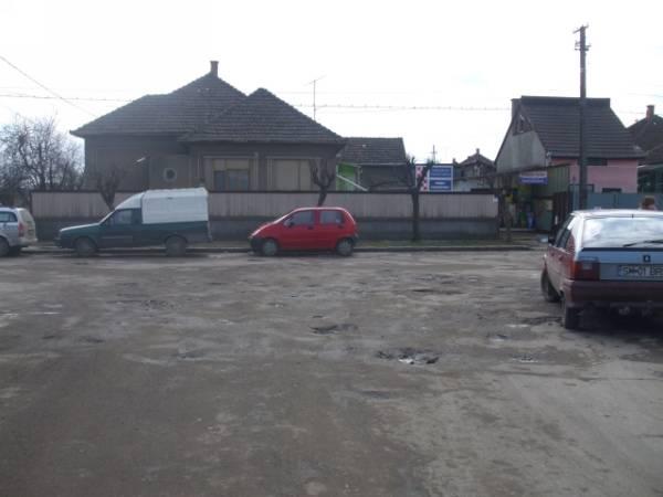 Primarul s-a răzgândit: drumurile nu se mai repară în mai, ci la vară