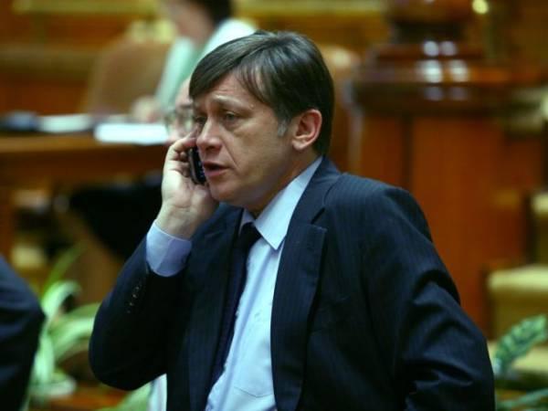 Senat: PNL a depus moţiunea simplă pe tema Educaţiei