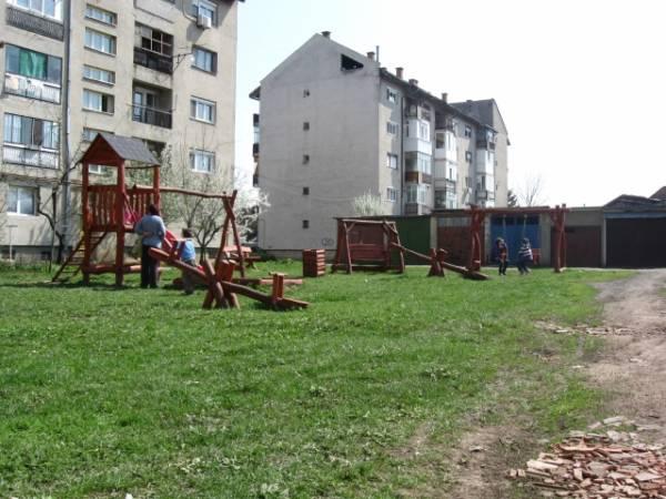 Locurile de joacă careiene, episodul I: dezastrul din Mihai Viteazu II