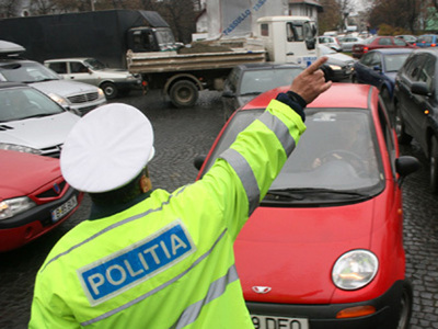 Peste 300 de sancțiuni contravenționale aplicate în judeţ de polițiștii rutieri