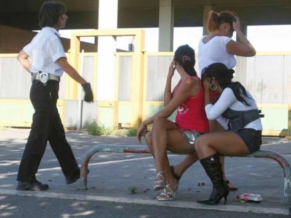 Prostituatele şi cerşetorii spun adio ajutorului social