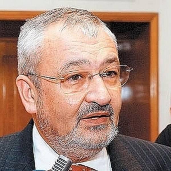 Vlădescu: Impozitul minim va fi eliminat de la 1 octombrie şi înlocuit în 2011 cu impozitul forfetar. PLUS impozitele pe terenurile agricole cresc de anul viitor