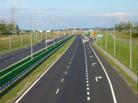 Restricţii de circulaţie pentru camioane în Ungaria, în perioada 28 aprilie-1 mai