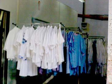 Grapini: Majoritatea hainelor din România conţin substanţe cancerigene