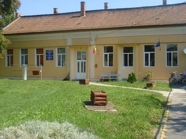 Post vacant de Îngrijitor la Grădiniţa cu Program Prelungit nr.1 Carei. Nu e obligatorie cetățenia română