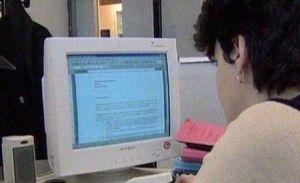 Taxele şi impozitele vor putea fi plătite online, din faţa propriului calculator, din 2011