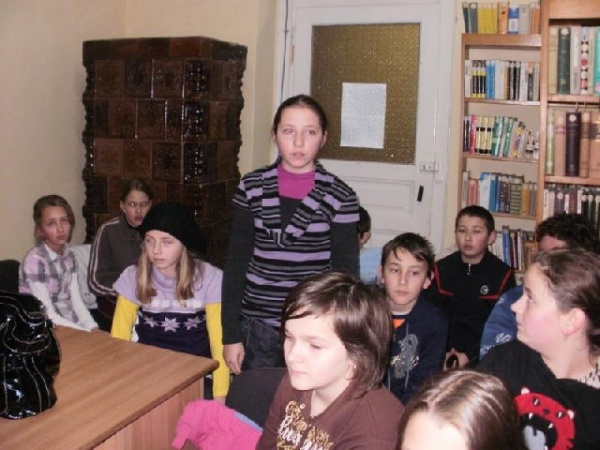 Clubul  Spiriduşilor Isteţi la BIBLIOTECA MUNICIPALĂ CAREI