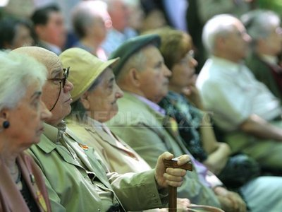 Guvernul: Pensionarii cu minim 740 lei şi revoluţionarii vor achita contribuţii de sănătate