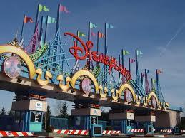 Disneyland caută 3.000 de persoane pentru joburi în vânzări, marketing, comunicare şi resurse umane