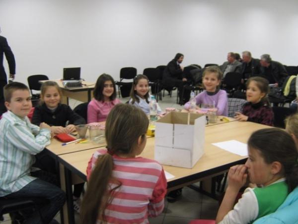 ContiTech Carei sprijină şcolile germane în campania de diagnosticare a deviaţiilor de coloană