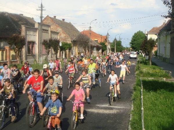 Marşul bicicletelor a adunat peste o sută de careieni