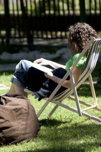 Relaxează-te … Altfel – Cărţi bune şi muzică în aer liber