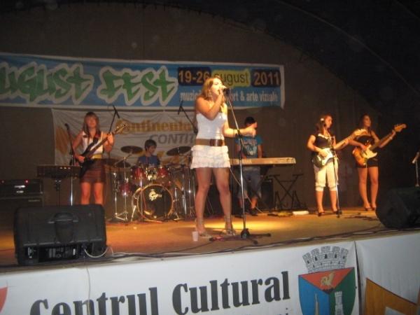 Sute de spectatori la AugustFest 2011