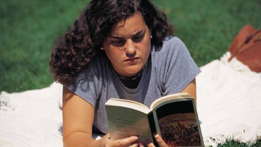 De luni, citim în aer liber