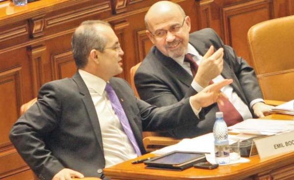 De frică să nu-i pice Guvernul, PDL a cedat şantajului UDMR