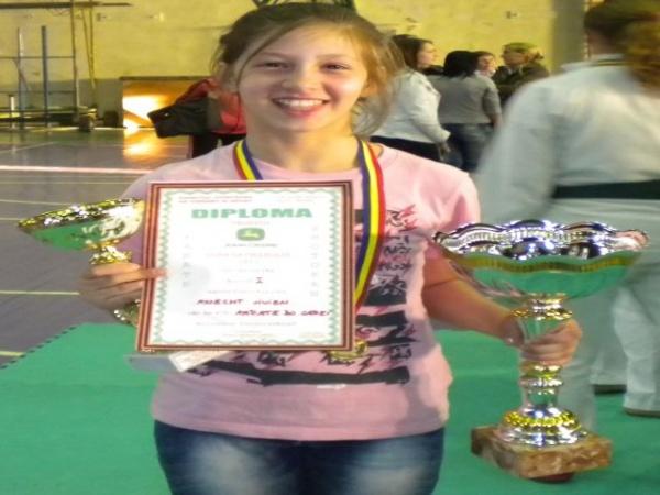 Noi medalii pentru careieni la Budapest Open-karate