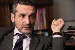 Sebastian Lăzăroiu, dat afară din Guvern. Traian Băsescu a numit-o în loc pe Sulfina Barbu