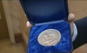 BNR a bătut o medalie jubiliară cu chipul Regelui Mihai I