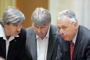 Laszlo Gyorgy: Vinovat e şi UDMR, maghiarii ar trebui să iasă în stradă