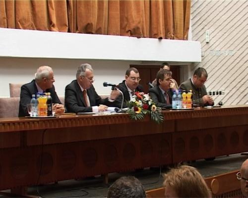 Ministrul Borbely apreciază proiectele implementate la Satu Mare dar evită Auschwitz-ul din Turda