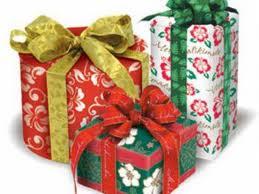 """""""Cutia cu daruri"""" – campanie de strângere de cadouri pentru centrele de plasament"""