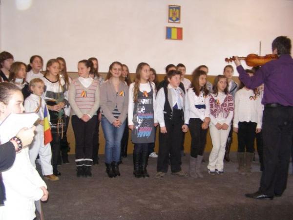 1 Decembrie sărbătorit la Şcoala Generală nr.3
