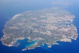 Cum au ajuns 8 miliarde de euro pe o insulă