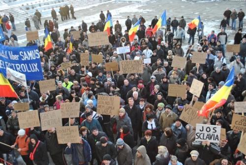 A  doua zi de proteste Cartel Alfa