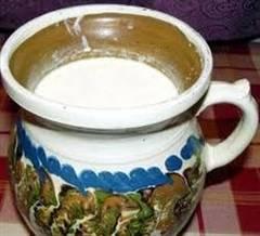 Iaurtul preparat in casă, aliment-medicament şi produs cosmetic de excepţie