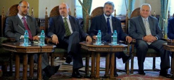 Liderul UDMR: Vom insista pentru recunoaşterea limbii maghiare în Constituţie