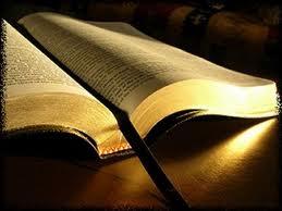 """Biblia difuzată împreună cu ziarul """"Adevărul"""" nu este ortodoxă şi ca atare nu are binecuvântarea Sfântului Sinod!"""