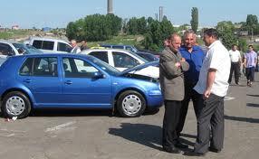 Pentru maşinile înmatriculate înainte de 2007, noua taxă auto se plăteşte numai la vânzarea lor