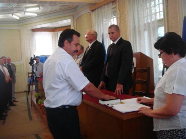 Bani din Primăria Carei ajung în conturile unei firme legate de consilierul municipal Fazakas