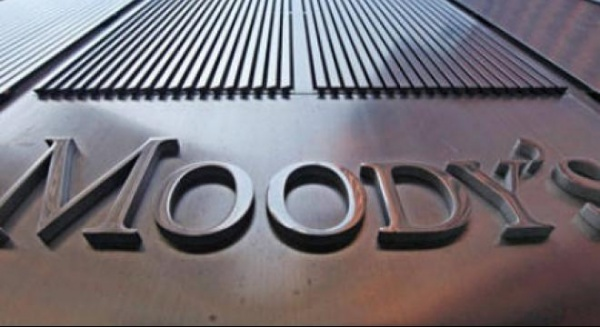 Moody's retrogradează perspectiva a 17 bănci germane