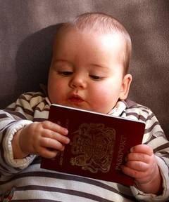 Reguli noi pentru călătorie – Paşaport obligatoriu pentru copii