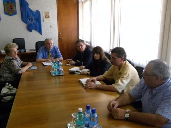 Depozitele de deşeuri din judeţ verificate  de reprezentanţii Comisiei Europene
