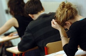 Bac 2013:la proba profilului un candidat eliminat din examen