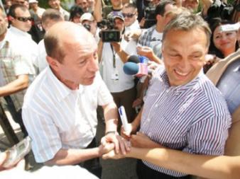 Băsescu, singurul dintre liderii țării care are dosare penale, arată cu degetul către cei care nu au