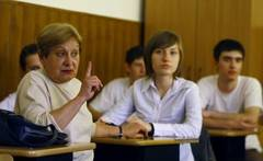 Comisia de educaţie din Senat a aprobat introducerea Bacalaureatului profesional