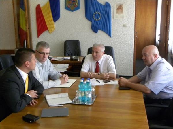 Autorităţile sătmărene au decis asupra unui program comun  pentru atragerea de noi investitori străini