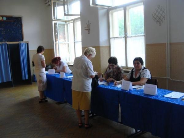 Instruirea preşedinţilor şi locţiitorilor birourilor electorale din judeţ. Lista preşedinţilor de la CAREI