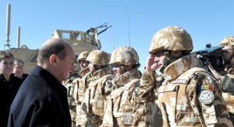 Militarii români din Afganistan îl lasă pe Băsescu la vatră!