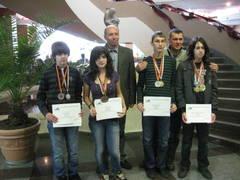 Elevii români au câştigat patru medalii la Olimpiada Balcanică de Informatică