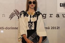 Ia – bluza românească în tendinţele 2012 şi 2013