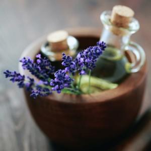 Cum să-ți faci singură propriul parfum