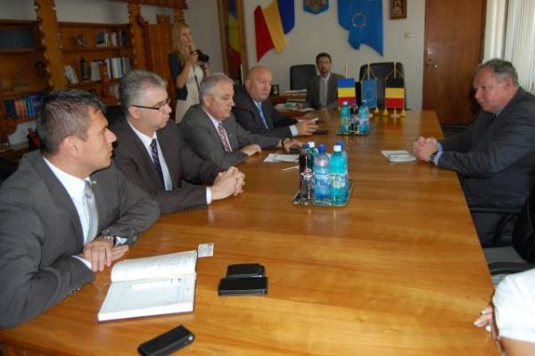 Ambasadorul Belgiei la Bucureşti s-a declarat impresionat de buna colaborare şi comunicare dintre autorităţile sătmărene