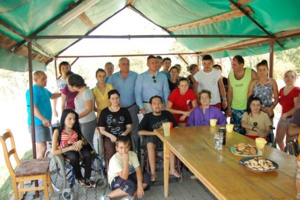 Consiliul Judeţean va sprijini  tinerii cu handicap